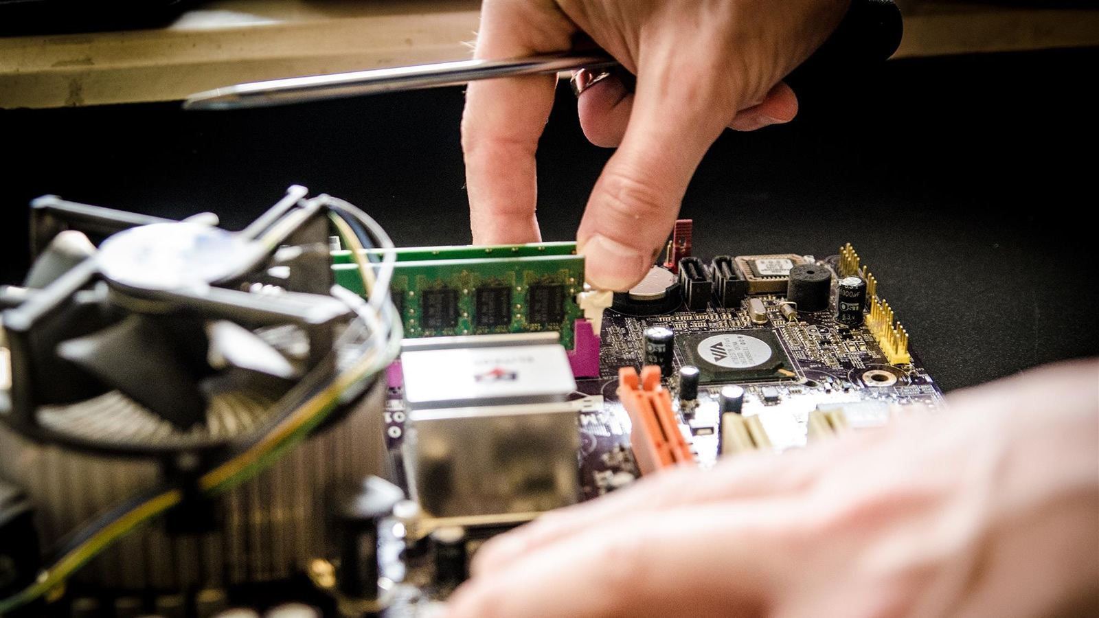 <h4>Right To Repair</h4><p>Tech and other companies too often make things hard to repair. We're backing Right To Repair laws, so you don't have to throw away so much old stuff and buy so much new stuff.</p><em>Pixabay.com</em>